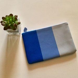 💛$8 or 2/$12 Blue Ipsy Makeup Bag